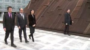 Hollande en représentation à l'Institut du monde arabe avec Jack Lang et Fleur Pellerin