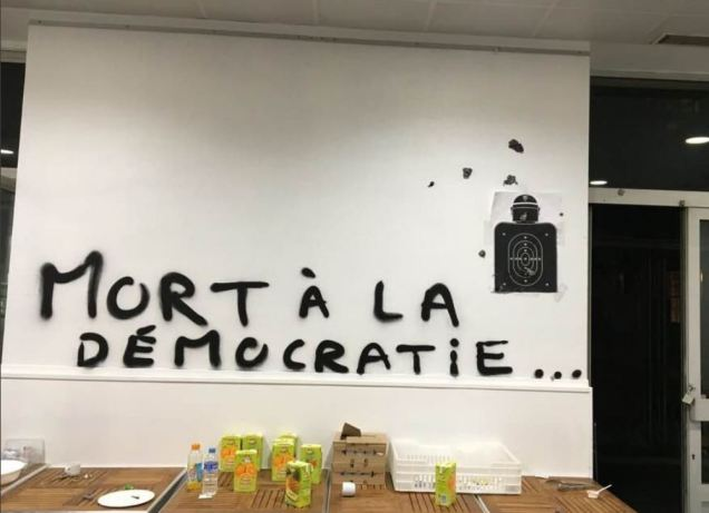 blog -ENS-mort a democratie-mai2018