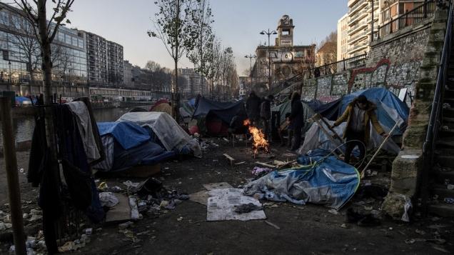 blog -migrants-campement Paris canal St Martin-fev2018