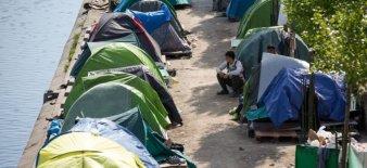 blog -migrants-campements Canal St Martin et canal St Denis