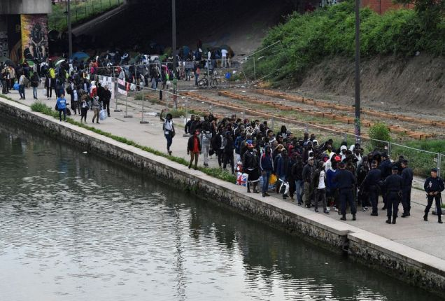 blog -migrants evacués du camp du Millenaire-30mai2018.jpg