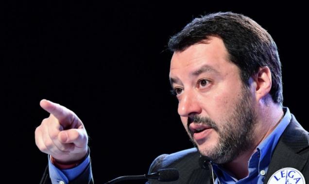 blog -Salvini Matteo doigt pointé.jpg