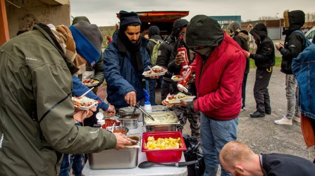 blog -migrants-distribution repas